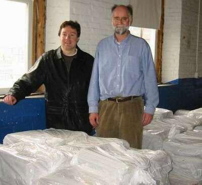Dan MacKenzie donating 7,000 newspapers